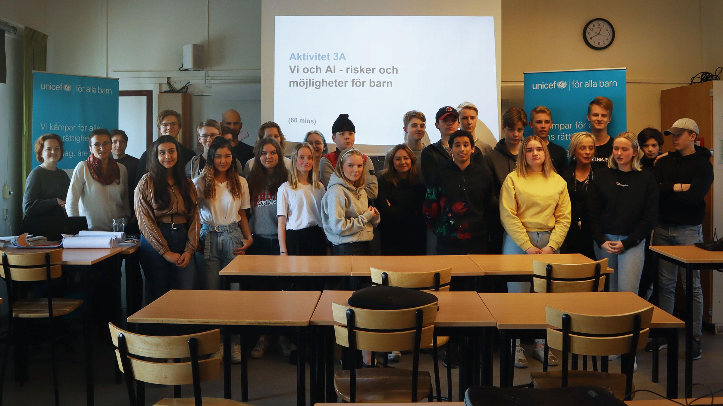 Skolelever på Tegs centralskola i Umeå har deltagit i ett världsunikt skolprojekt om artificiell intelligens.