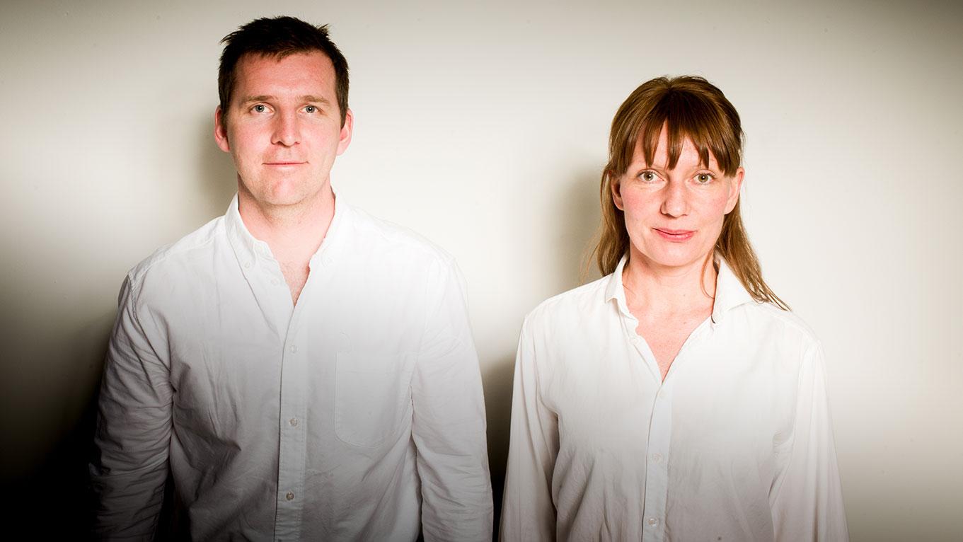 Kalle Hardell och Sara Flagge Hardell på Artby söker nya vägar i desperat läge för att rädda företaget.