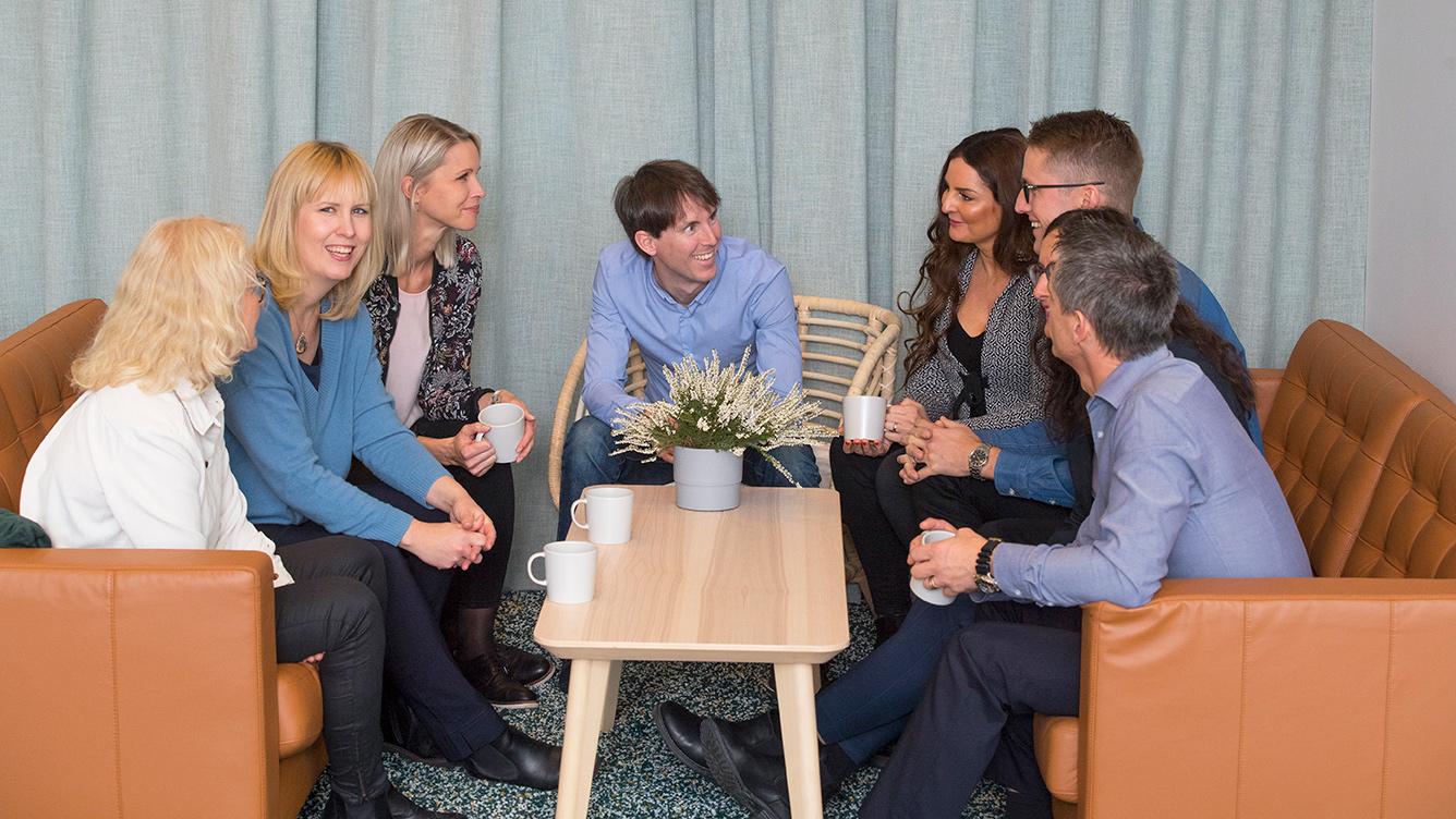 När fysiska möten läggs om till digitala måste större krav ställas på tekniken, menar Jennie Ekbeck, vd Umeå Biotech Incubator, tvåa från vänster i bild.