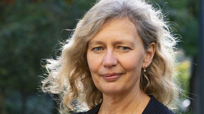 AI öppnar upp möjligheter långt utanför vår föreställningsförmåga; de som kanske är omöjliga att ta vara på för en ensam aktör, säger SLUs rektor Maria Knutson Wedel. (Foto: Jenny Svennås-Gillner/SLU)