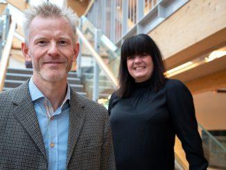 Tidigare omgångar har lett till flera goda samarbeten som gynnat både startupbolagen och skogsindustrins utveckling, säger Magnus Viström, innovationschef på SCA. På bilden tillsammans med Regina Duymaz, inkubatorchef på Bizmaker.